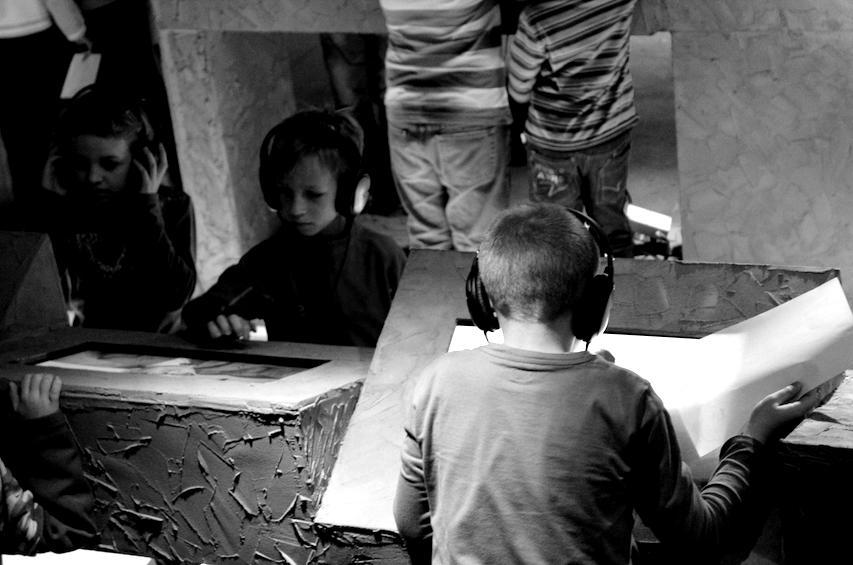 edukacja-duze-1-blackwhite