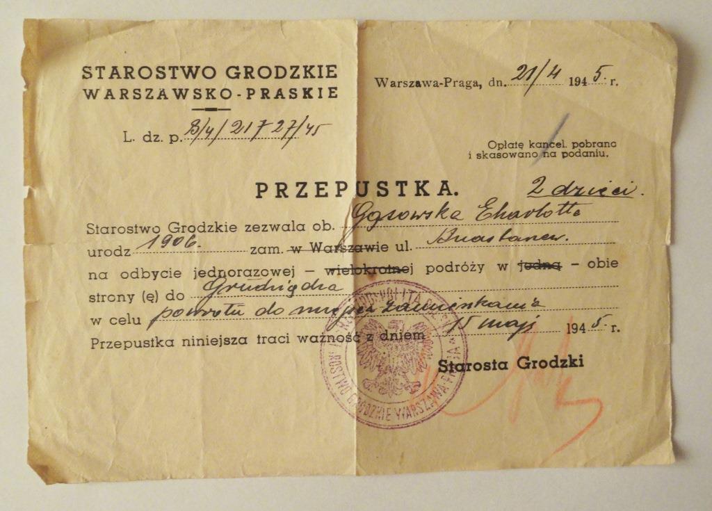 Przepustka na przejazd koleją z Warszawy do Grudziadza, gdzie po 1945 r. mieszkała Charlotta Bronisława Gąsowska z dziećmi. Zbiory H. Augustyniak.